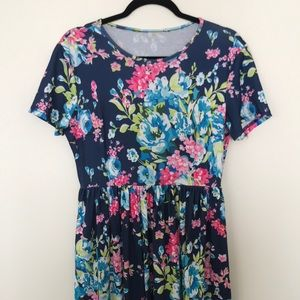 Floral Maxi Dress - With Pockets - L